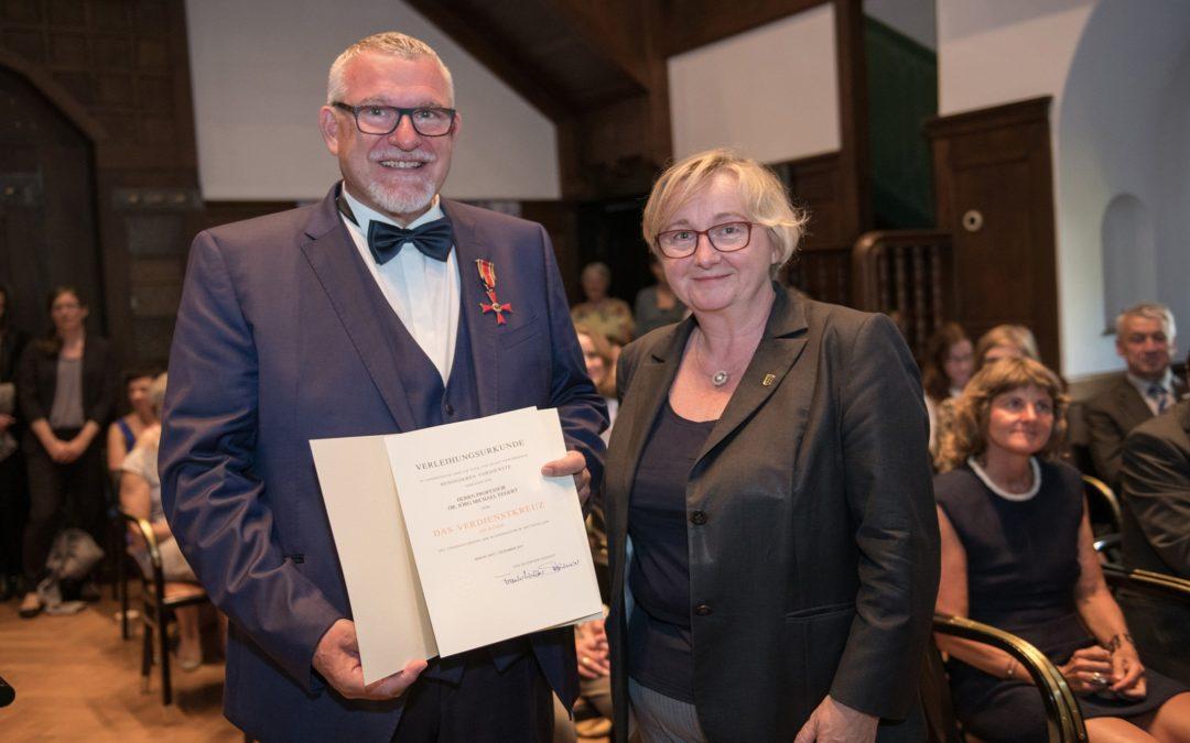 Prof. Jörg Fegert erhält Bundesverdienstkreuz